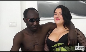 Dramatis personae ALLA ITALIANA - Romanian BBW takes anal handy interracial Italian sling
