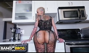 BANGBROS - A Short-Haired Bella Bellz Gets Anal Be advisable for Say no to Big Pest