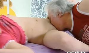 Old ladies' fucks young juicy muff