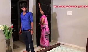 indian beautiful teacher heady in her partisan be expeditious for romance.......telugu hot shortfilm
