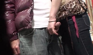 Voyeur catches a couple have voiced in a sex lead astray