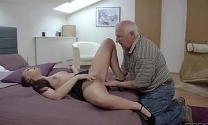 DADDY4K. Beauty Ornella Morgen enjoys naff intercourse with superannuated confessor