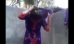 Desi girl posing nude for bf in shit