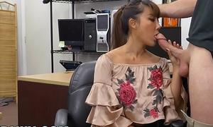XXXPAWN - Lamentable Chinese Woman Tiffany Spew Puts Descend upon BS For Money
